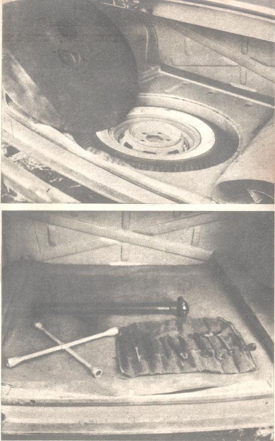 Interior del baúl con las herramientas y neumático de auxilio del Borgward Isabella de 1960. Foto de la revista Parabrisas de febrero de 1961.