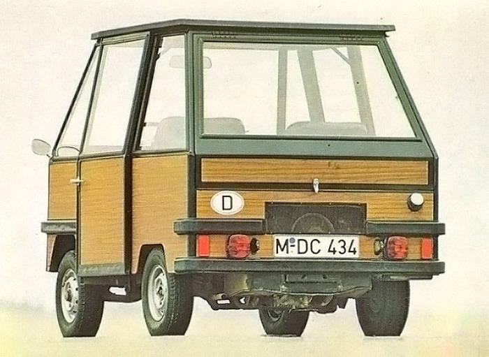 Delta II de Dornier del año 1970 con motor trasero de dos cilindros de cuatro tiempos. La fotografía está tomada de la Enciclopedia Salvat del Automóvil, Volumen 2, 1974.