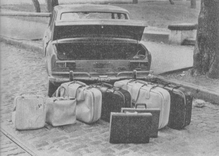 La capacidad del baúl del Fiat 128 argentino de 1971. La fotografía es de la revista Parabrisas Corsa número 267 del 1 de junio de 1971.