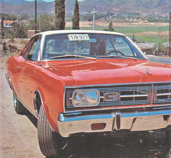 Dodge GTX modelo 1970 con motor V8. La fotografía es de la revista Parabrisas Corsa número 240 del 24 de noviembre de 1970.