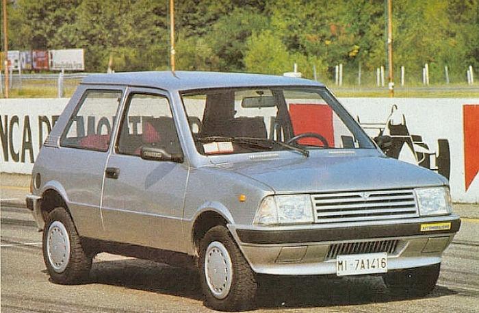 Innocenti 990 SE modelo 1986 con motor Daihatsu. La foto pertenece a la revista Automobilismo número 13 de diciembre de 1986.