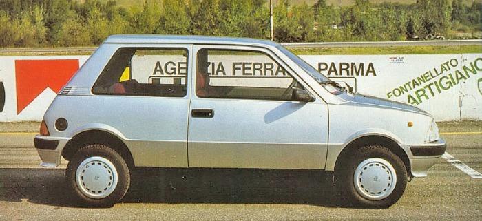 Perfil del Innocenti 990 SE modelo 1986. La foto pertenece a la revista Automobilismo número 13 de diciembre de 1986.