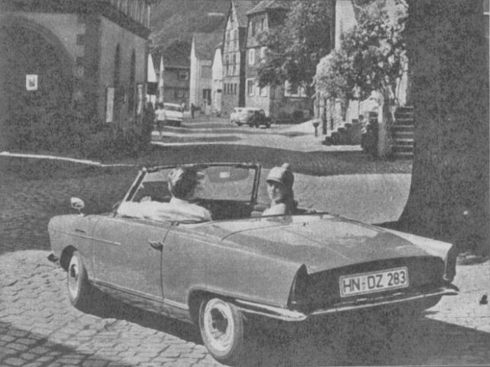El NSU Spider Wankel de 1965 con la capota de lona plegada. La fotografía es de la revista Parabrisas número 58 de septiembre de 1965.