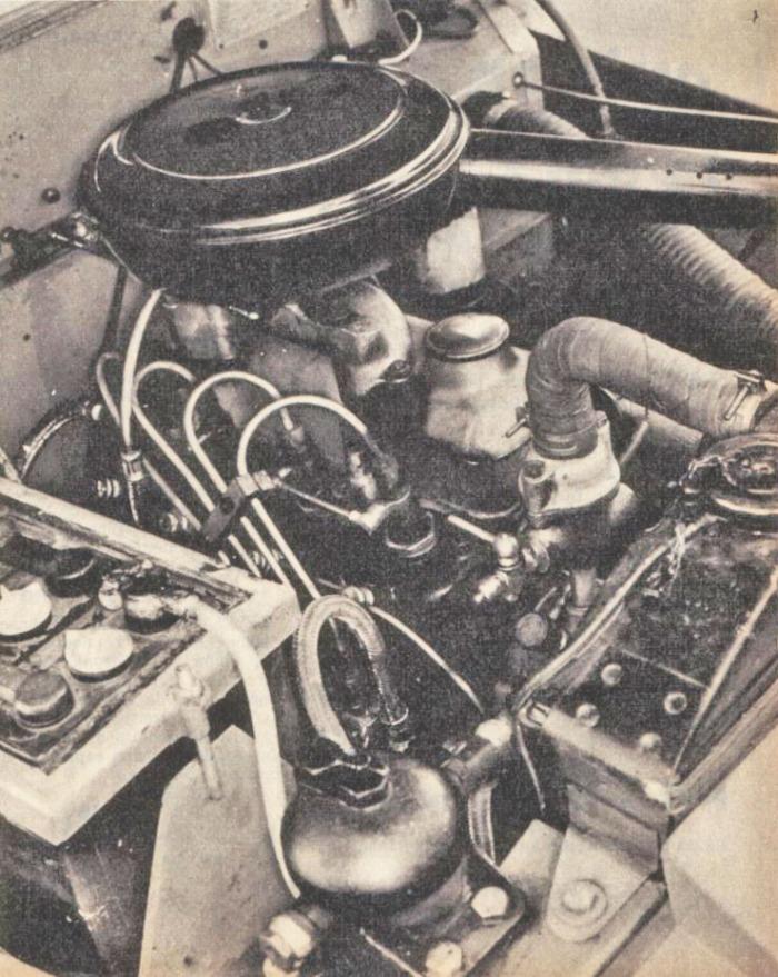 Motor del Rastrojero Diésel de 1963. Foto de la revista Parabrisas número 37 de diciembre de 1963.