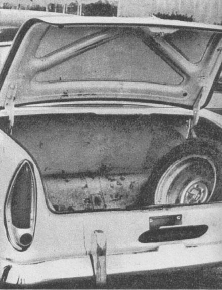 El baúl del Simca Ariane de 1965. La fotografía es de la revista Parabrisas número 55 de junio de 1955.
