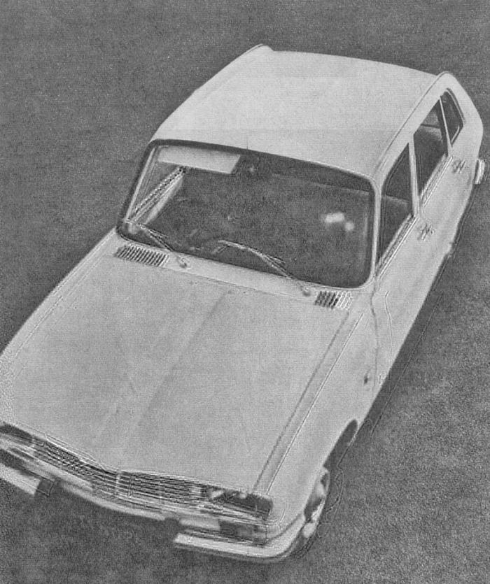 El Renault 16 de 1965 presentado en junio de ese año por la empresa Régie Nationale des Usines Renault. La fotografía es de la revista Parabrisas número 54 de mayo de 1965.
