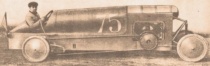 Bédélia de 1912 que participó en la carrera de trepada de Gaillon en Francia. La fotografía es de la Enciclopedia Autorama fascículo número 39 del 16 de agosto de 1968.