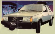 Fiat Regatta 100 S del año 1985 visto de trompa. La fotografía es de un folleto de la empresa Sevel Argentina.