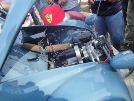 El vano motor visto del lado derecho.