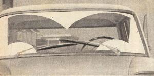 Área de barrido de los limpiaparabrisas del Fiat 1500 Gran Clase argentino del año 1963. La fotografía es de la revista Parabrisas número 42 de mayo de 1964