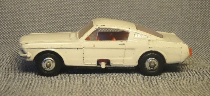 Mustang 03