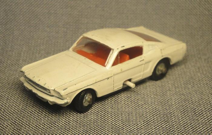 Mustang 06