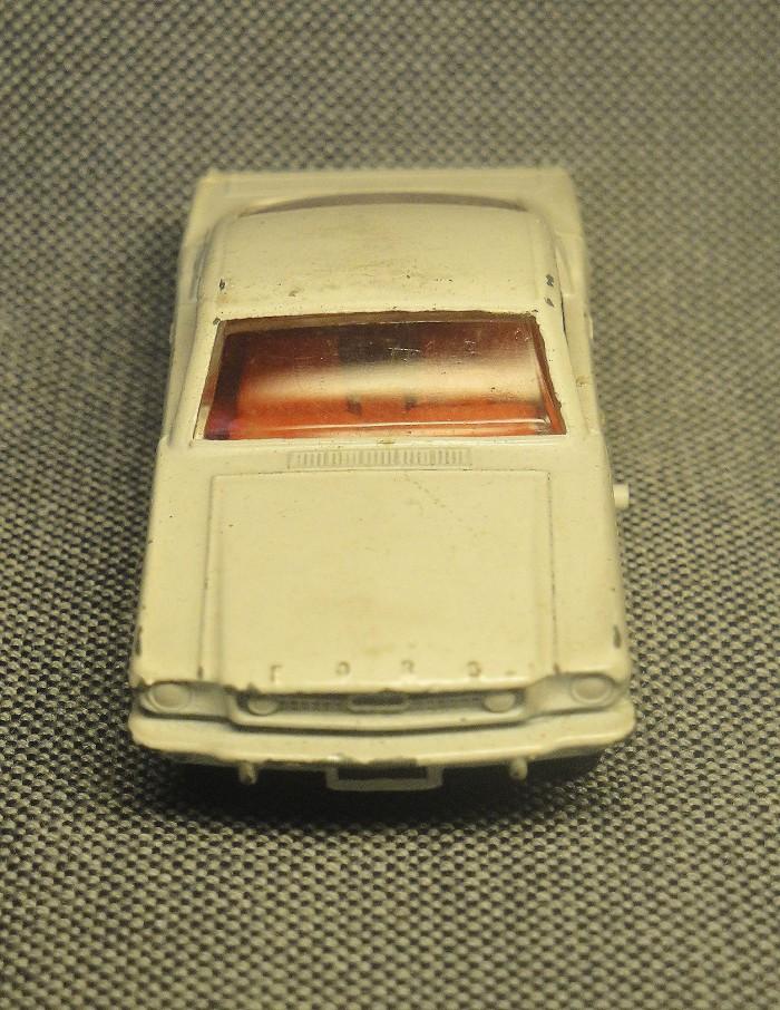 Mustang 09