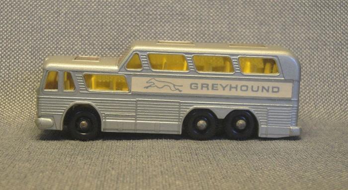 greyhound-03