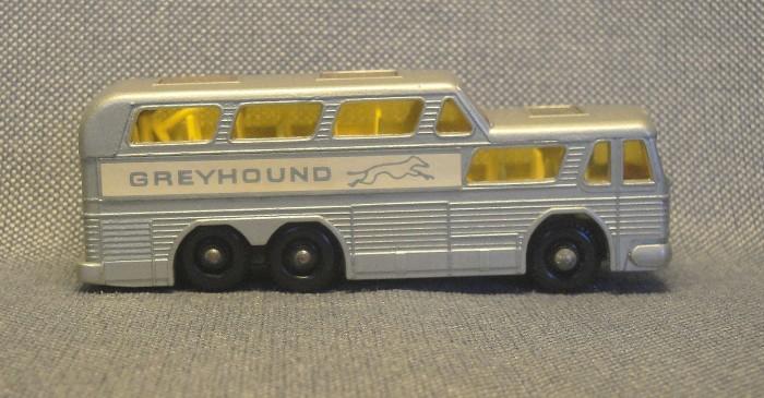 greyhound-04