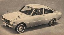 Mazda R100 Coupe Coupe del año 1968 fabricado por Toyo Kogyo en Japón.